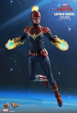 Hot Toys Captain Marvel Deluxe Version